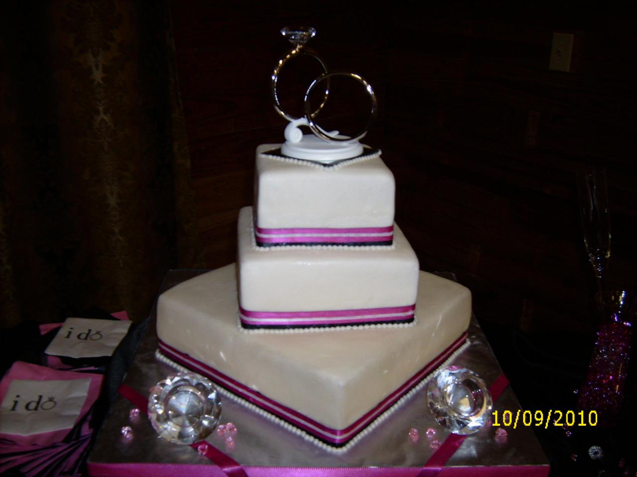 Happy s Cake Shop WEDDING CAKE PICTURE GALLERY